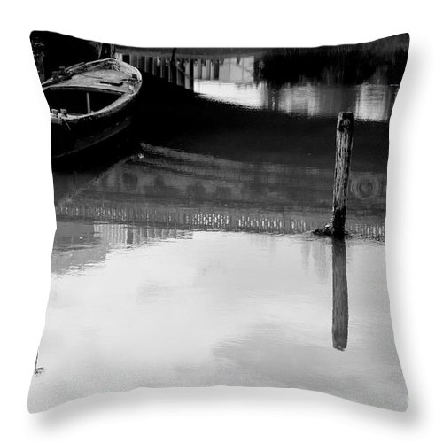 Boat Throw Pillow featuring the photograph Forgotten II by Donato Iannuzzi