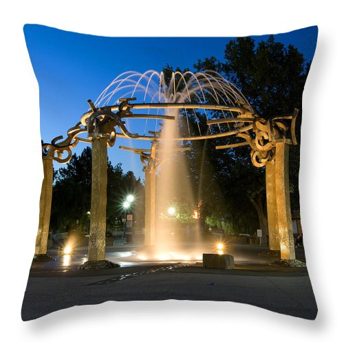Fountain Throw Pillow featuring the photograph Fountain In Riverfront Park by Paul DeRocker