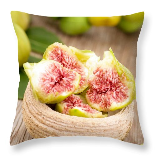 Bowl Throw Pillow featuring the photograph Fresh White Figs by Viktor Pravdica