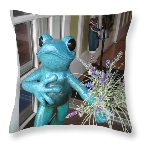 Frog Throw Pillow featuring the photograph Frog Suitor by Barbara McDevitt