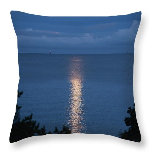 Archipelago Throw Pillow featuring the photograph Full Moon Over Sea by Johner Images