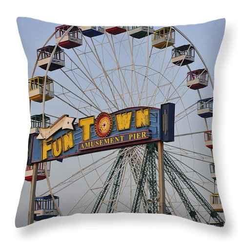 Funtown Pier Throw Pillow featuring the photograph Funtown Ferris Wheel by Terry DeLuco