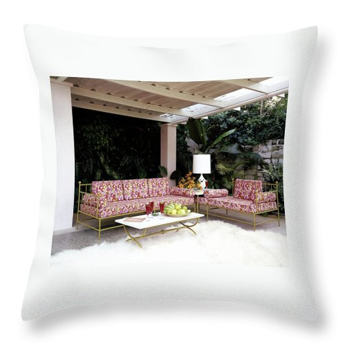 Garden Throw Pillow featuring the photograph Garden-guest Room At The Chimneys by Tom Leonard