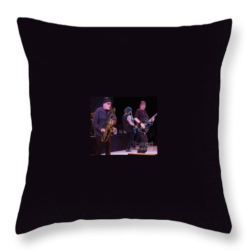 George Thorogood And The Destroyers Throw Pillow featuring the photograph George Thorogood And The Destroyers by John Telfer