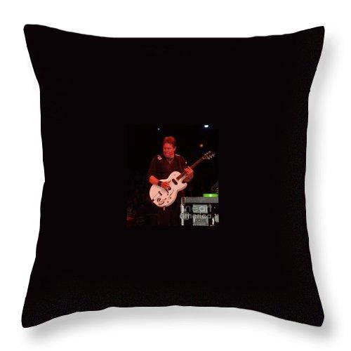 George Thorogood Performing Throw Pillow featuring the photograph George Thorogood Performing by John Telfer