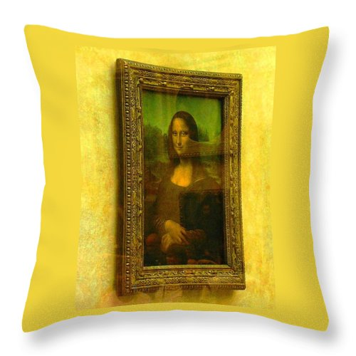 Mona Lisa Throw Pillow featuring the photograph Glance At Mona Lisa by Oleg Zavarzin