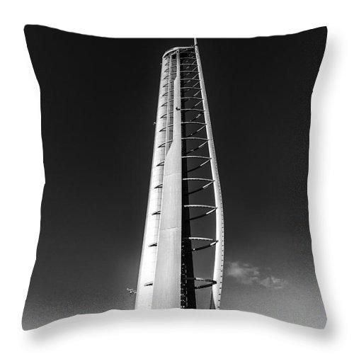 Glasgow Scene Throw Pillow featuring the photograph Glasgow Tower by John Farnan