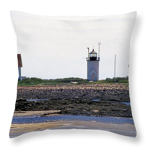 Lighthouses Throw Pillow featuring the photograph Goat Island Maine by Skip Willits