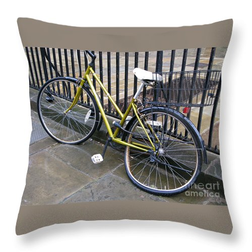 Bicycle Throw Pillow featuring the photograph Going Nowhere by Ann Horn