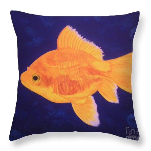 Goldfish Throw Pillow featuring the painting Golden Fish by Graciela Castro
