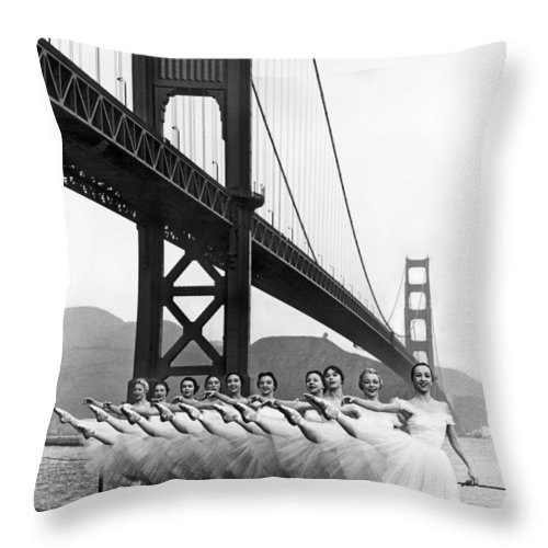 B And W Throw Pillow featuring the photograph Golden Gate Bridge Ballet by Underwood Archives