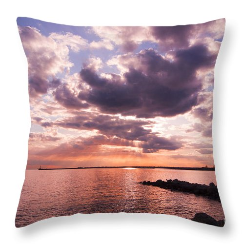Sunset Throw Pillow featuring the photograph Grandiose by Joe Geraci