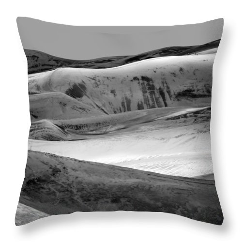 America Throw Pillow featuring the photograph Great Sand Dunes - 1 - Bw by Nikolyn McDonald