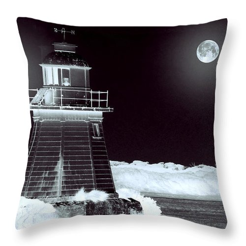 Landscapes Throw Pillow featuring the photograph Guiding Lights by Holly Kempe