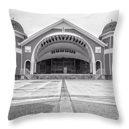 New Hamphire Throw Pillow featuring the photograph Hampton Beach Bandstand Stage by Edward Fielding