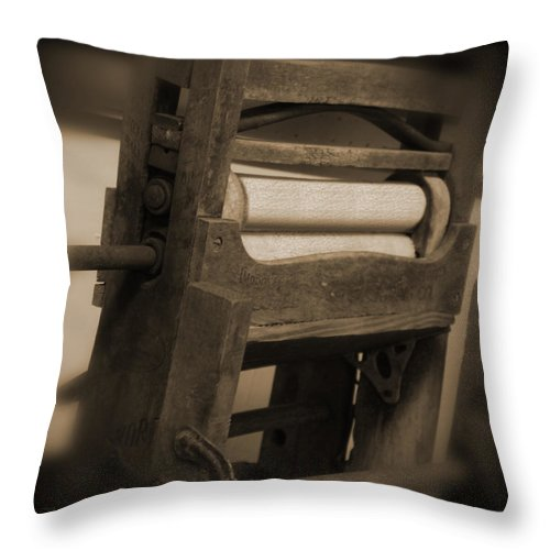 Vintage Wringer Throw Pillow featuring the photograph Hand Clothes Wringer by Mike McGlothlen