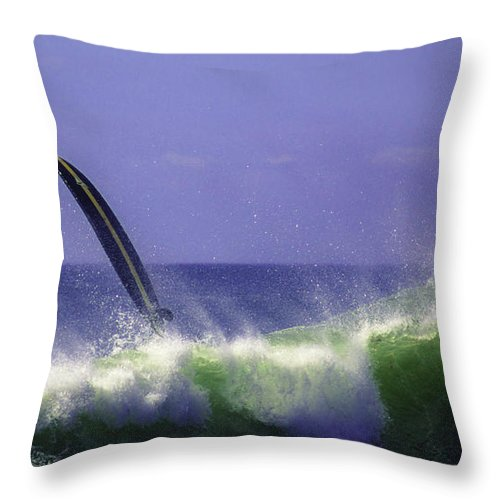 Surf Throw Pillow featuring the photograph Happy Ending by Joe Geraci