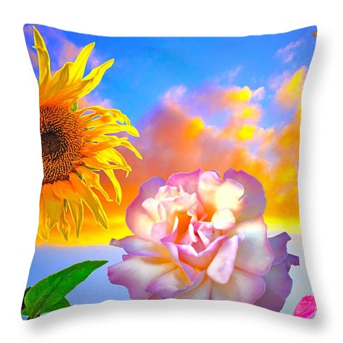 Sunflower Throw Pillow featuring the photograph Happy Moments by Gwyn Newcombe