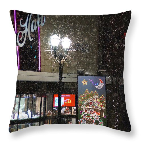 Snow Throw Pillow featuring the photograph Hart In The Snow - Grants Pass by Mick Anderson