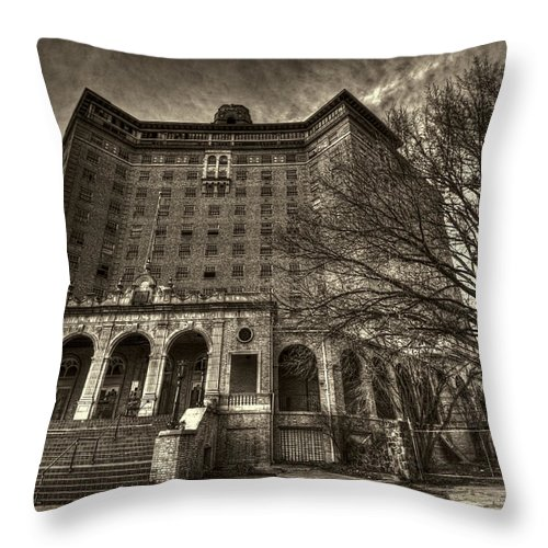 Baker Hotel Throw Pillow featuring the photograph Haunted Baker Hotel by Jonathan Davison