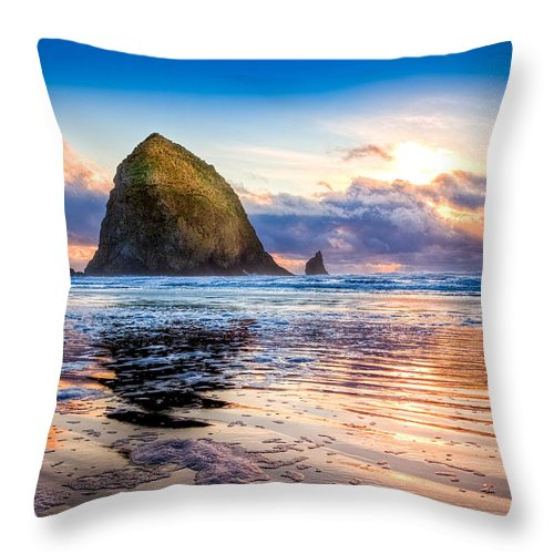 Oregon Throw Pillow featuring the photograph Haystack Rock by Niels Nielsen
