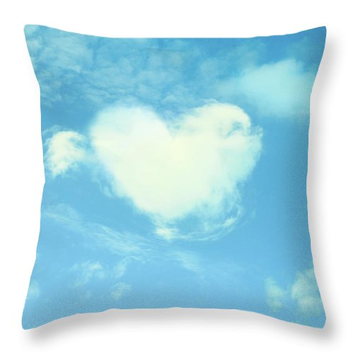 Outdoors Throw Pillow featuring the photograph Heart-shaped Cloud by Yurif