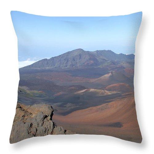 Heleakalu Throw Pillow featuring the photograph Heleakala Volcano In Maui by Richard Reeve