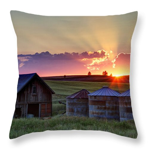 Cheney Throw Pillow featuring the photograph Home Town Sunset by Mark Kiver