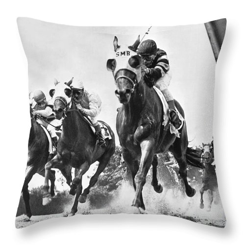 1950's Throw Pillow featuring the photograph Horse Racing At Belmont Park by Underwood Archives