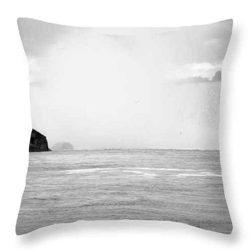 Horseshoe Throw Pillow featuring the photograph Horseshoe International Waterfalls by Darleen Stry