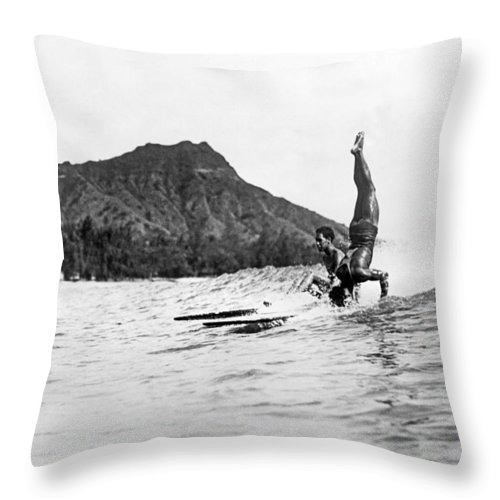 1925 Throw Pillow featuring the photograph Hot Dog Surfers At Waikiki by Underwood Archives