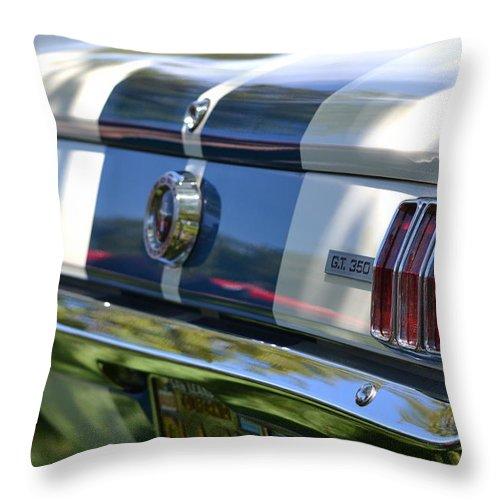 Gt-350 Throw Pillow featuring the photograph Hr-22 by Dean Ferreira