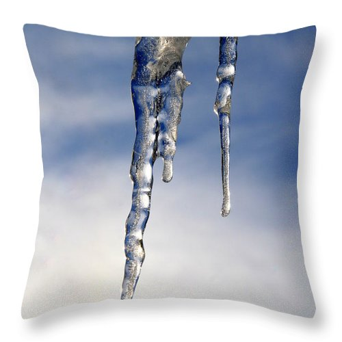 Icicle Throw Pillow featuring the photograph Icicle Formation by Neal Eslinger
