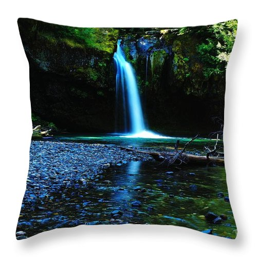 Waterfall. Water Throw Pillow featuring the photograph Iron Creek Falls by Jeff Swan