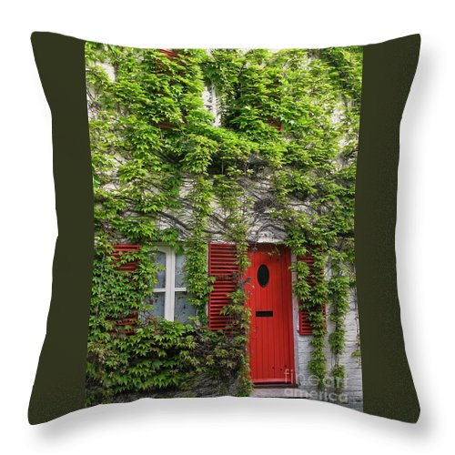 Ivy Throw Pillow featuring the photograph Ivy Cottage by Ann Horn