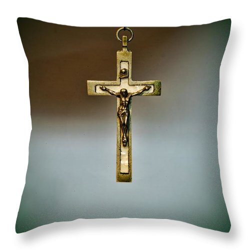 Paul Ward Throw Pillow featuring the photograph Jesus On The Cross 1 by Paul Ward