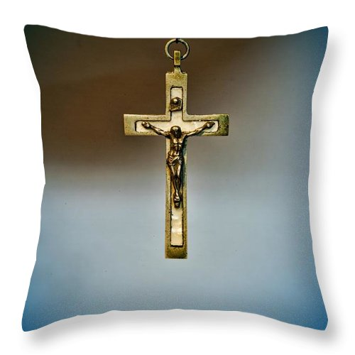 Paul Ward Throw Pillow featuring the photograph Jesus On The Cross 4 by Paul Ward