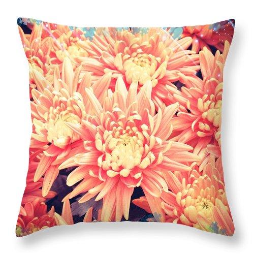 Mums Throw Pillow featuring the photograph Keepsake Chrysanthemum by Debra Miller