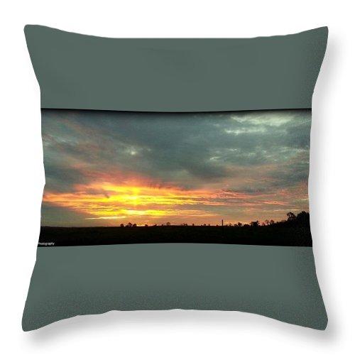 Sunrise Throw Pillow featuring the photograph Kentucky Sunrise by Daniel Jakus
