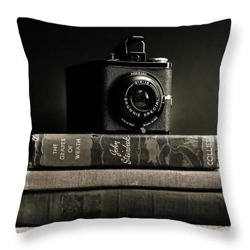 Kodak Throw Pillow featuring the photograph Kodak Brownie Special Six-16 by Jon Woodhams