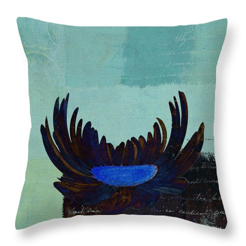 Daisy Throw Pillow featuring the digital art La Marguerite - 140182085-c2bt1a by Variance Collections