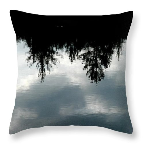 Mike Hunter Throw Pillow featuring the photograph Lake At Glen's by Joseph Yarbrough