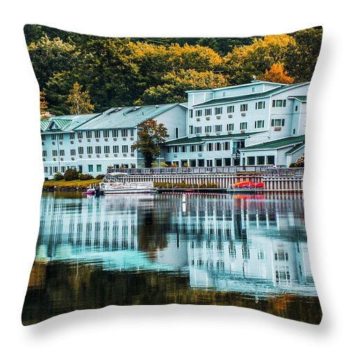 Lake Morey Throw Pillow featuring the photograph Lake Morey Inn And Resort by Sherman Perry