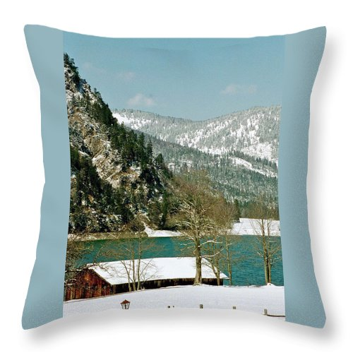 Lake Throw Pillow featuring the photograph Lake Side Living by Jennifer Robin