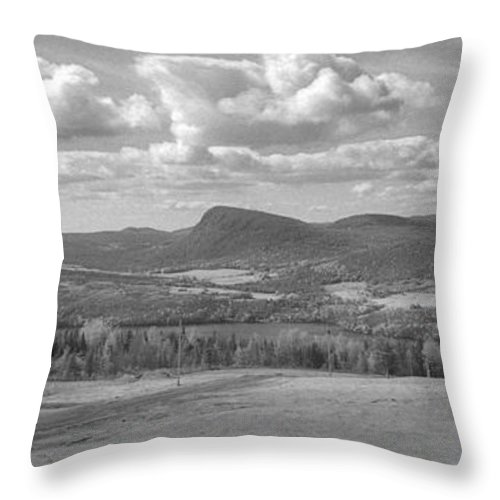 Lake Willoughby Throw Pillow featuring the photograph Lake Willoughby Vermont by Richard Rizzo