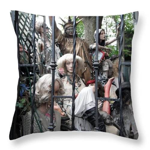Statue Of Liberty Throw Pillow featuring the photograph Land Of The Free #2 by Susan Carella