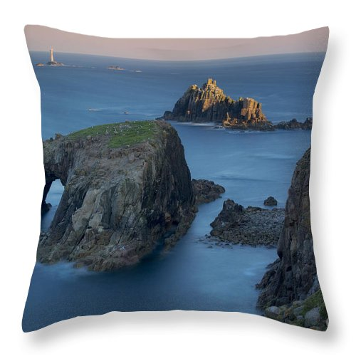 Armed Knight Throw Pillow featuring the photograph Lands End Dawn by Brian Jannsen