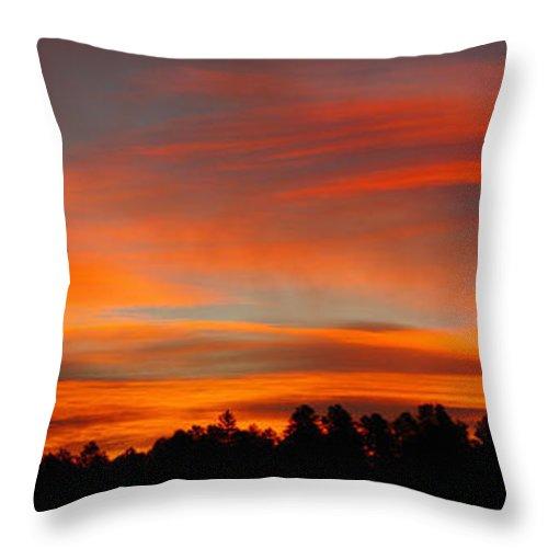 Colorado Photographs Throw Pillow featuring the photograph Lenticular Sunrise by Gary Benson