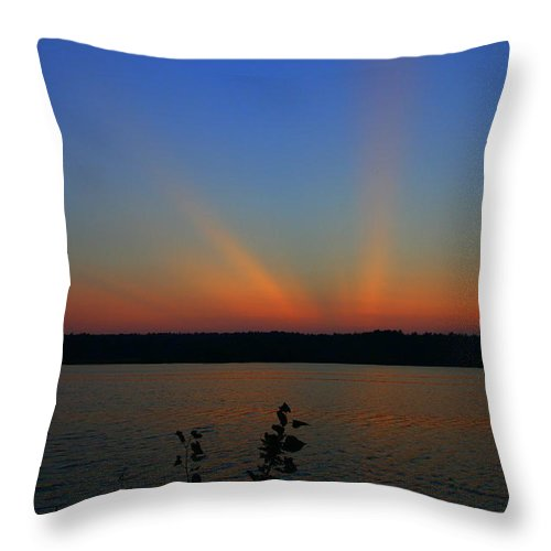 Sunset Art Throw Pillow featuring the photograph Liberty Sunset At West Thompson Lake by Neal Eslinger