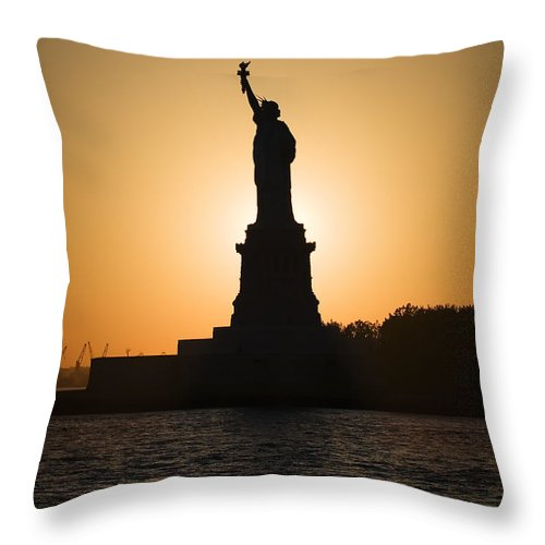 Statue Of Liberty Throw Pillow featuring the photograph Liberty Sunset by Dave Bowman
